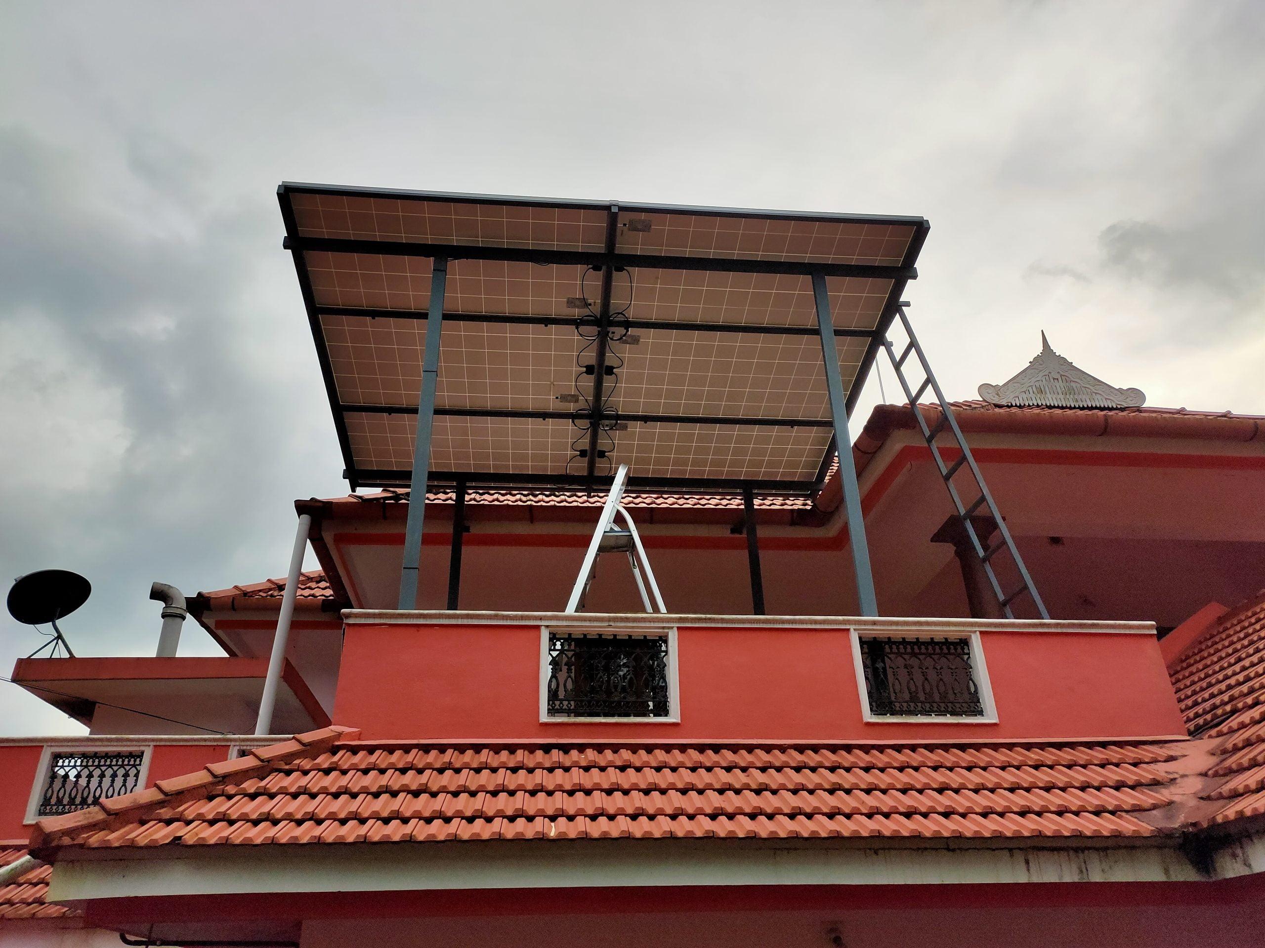 Poulose Kothamangalam 2 kw ongrid solar power plant