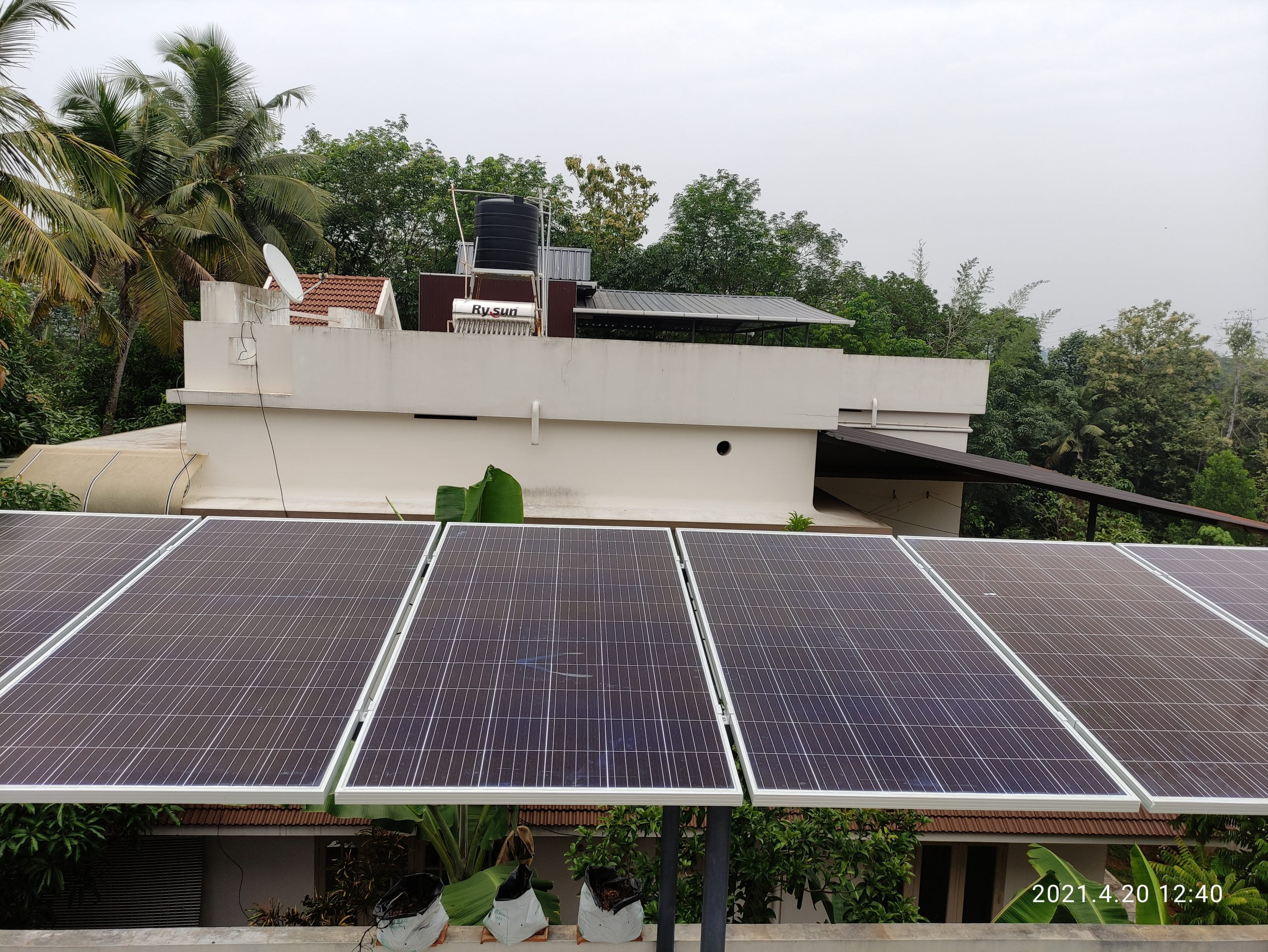 3Kwp Solar Ongrid Power Plant at Puthencruz 1